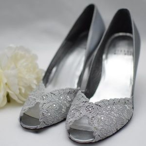Stuart Weitzman Silver Lace Open-Toe Pumps 4.5 M